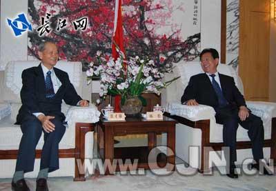 武汉亚东水泥_湖北亚东水泥有限公司研磨厂及码头一期工程已在武汉建成
