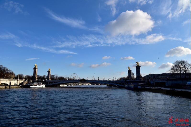 巴黎塞纳河船游